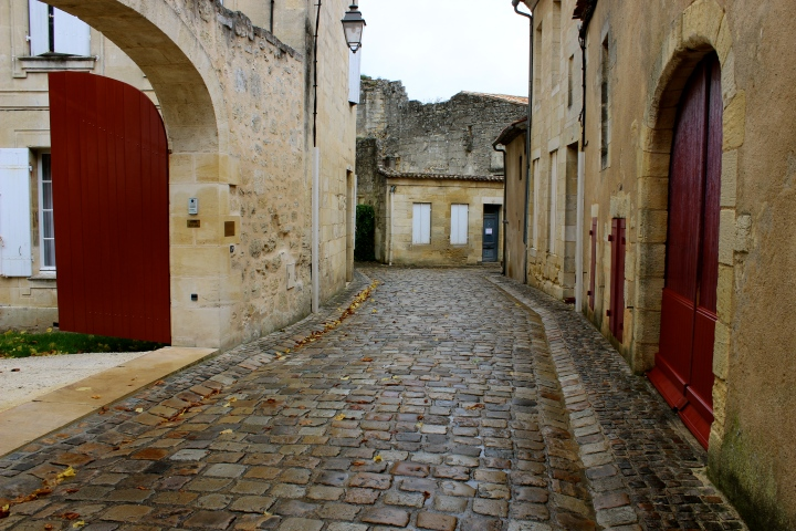Slick cobblestones of Saint Emilion