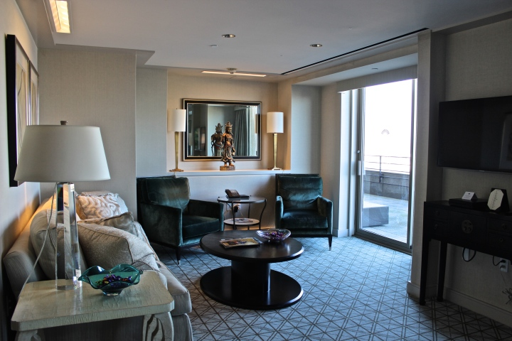 mo suite