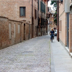 Straight lanes laid in stone and lined in brick