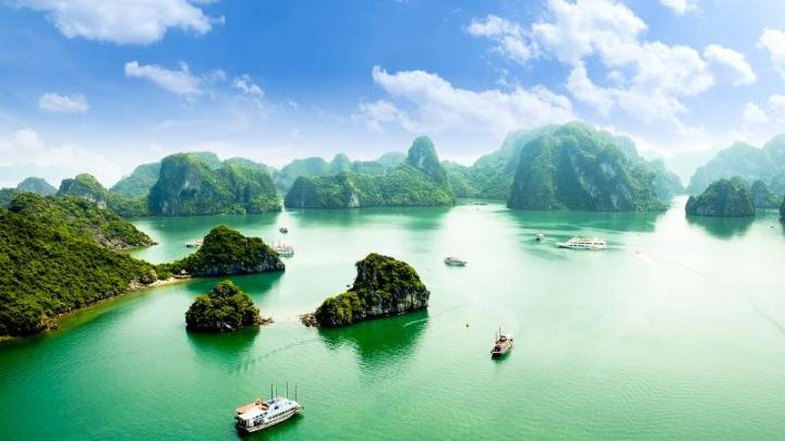 Ha Long Bay. (Ph: Vietnam Guide)