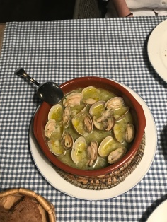 More clams, El Pescador