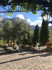 Atmosphere in spades at La Residencia